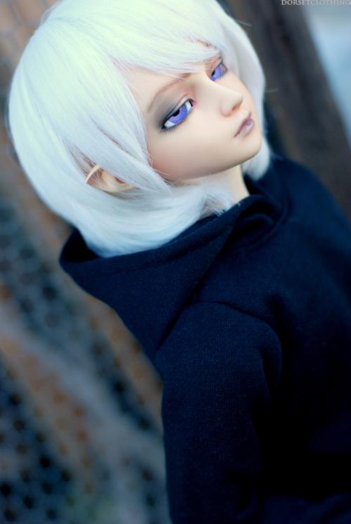 Grey Skies by kawaiimon