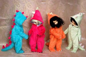 Dino Dolls by kawaiimon