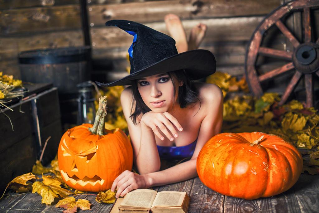 Halloweenie! by Arichy