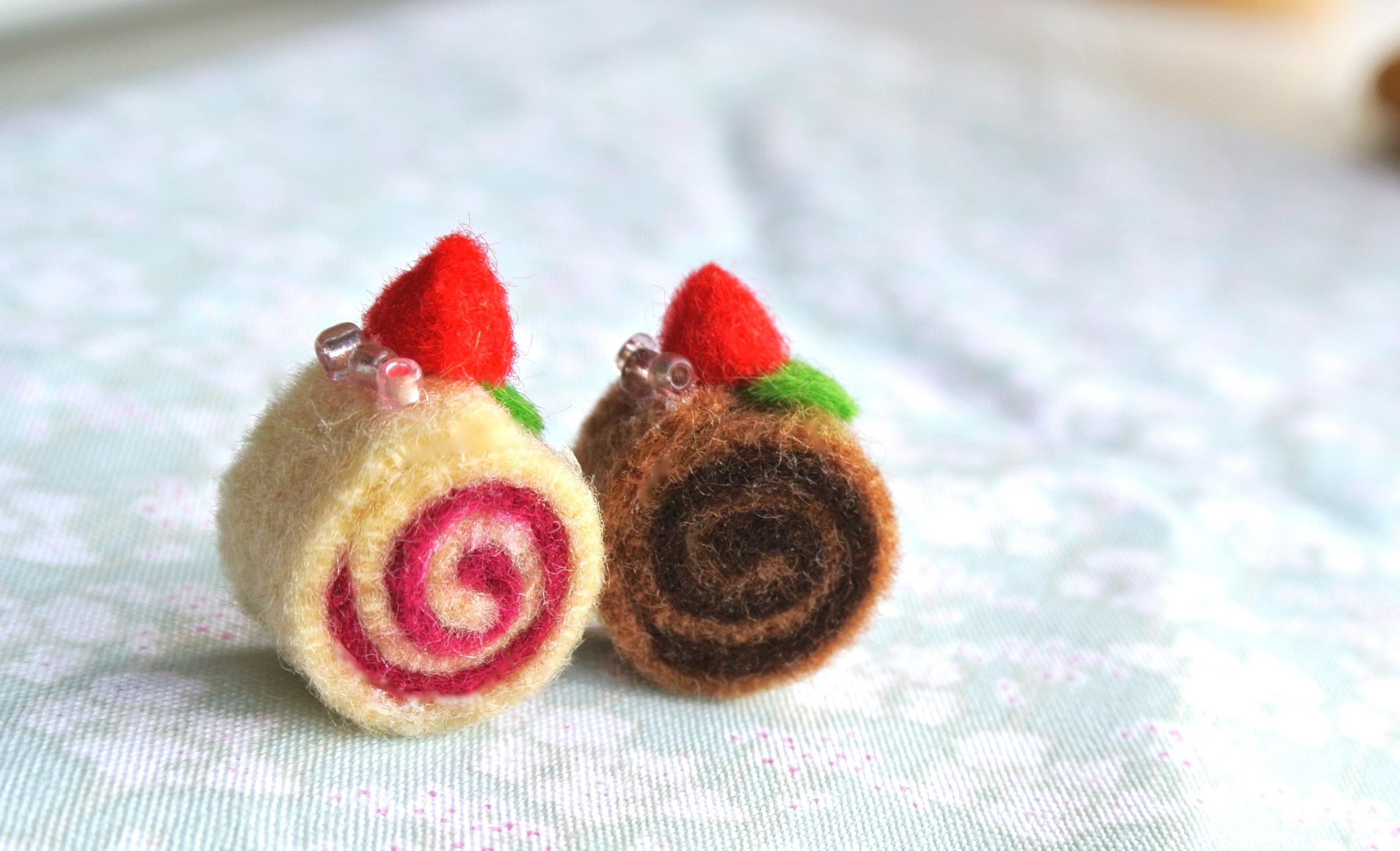 Tiny felt kawaii cake rolls by xmy-craftsx