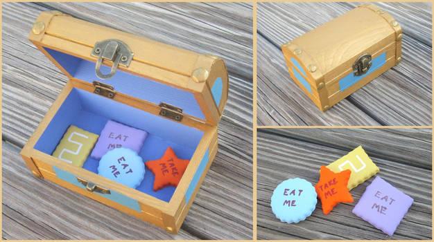 Alice in Wonderland Cookie box
