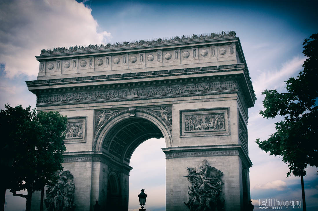 arc de triomphe by LexartPhotos