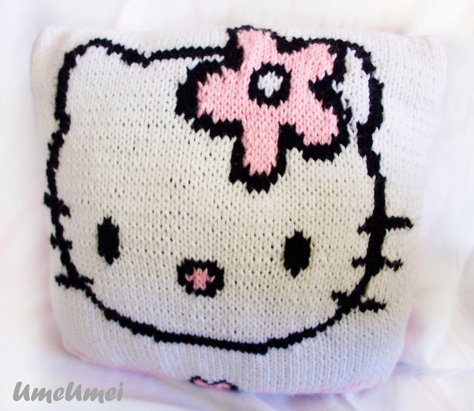 Hello Kitty Pillow by umeumei on DeviantArt