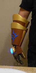 Ezreal (League of Legends) Gauntlet #2 by VitaminZinc