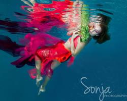 Alexis Sharpe - Underwater