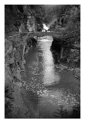 2014-195 Lower Falls Footbridge by pearwood