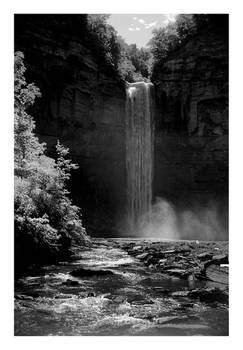 2014-243 Taughannock Falls on a very bright day
