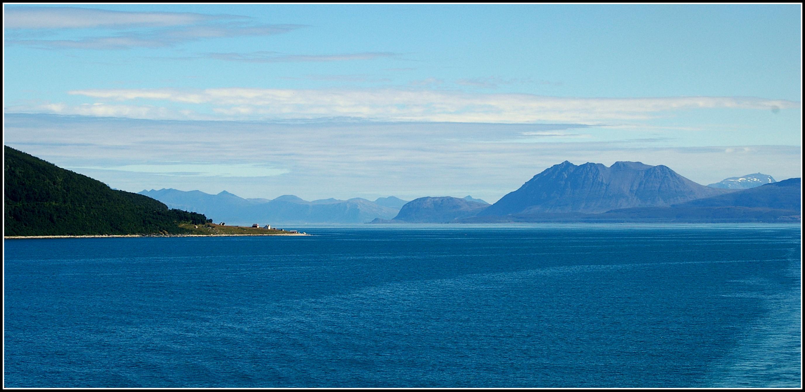 coastline by Mittelfranke