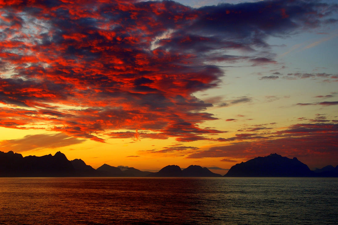 the sky is on fire by Mittelfranke