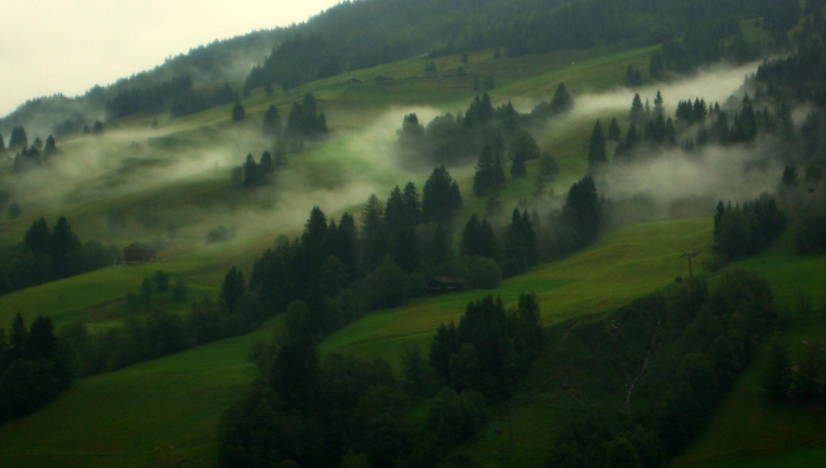 misty mountain by Mittelfranke