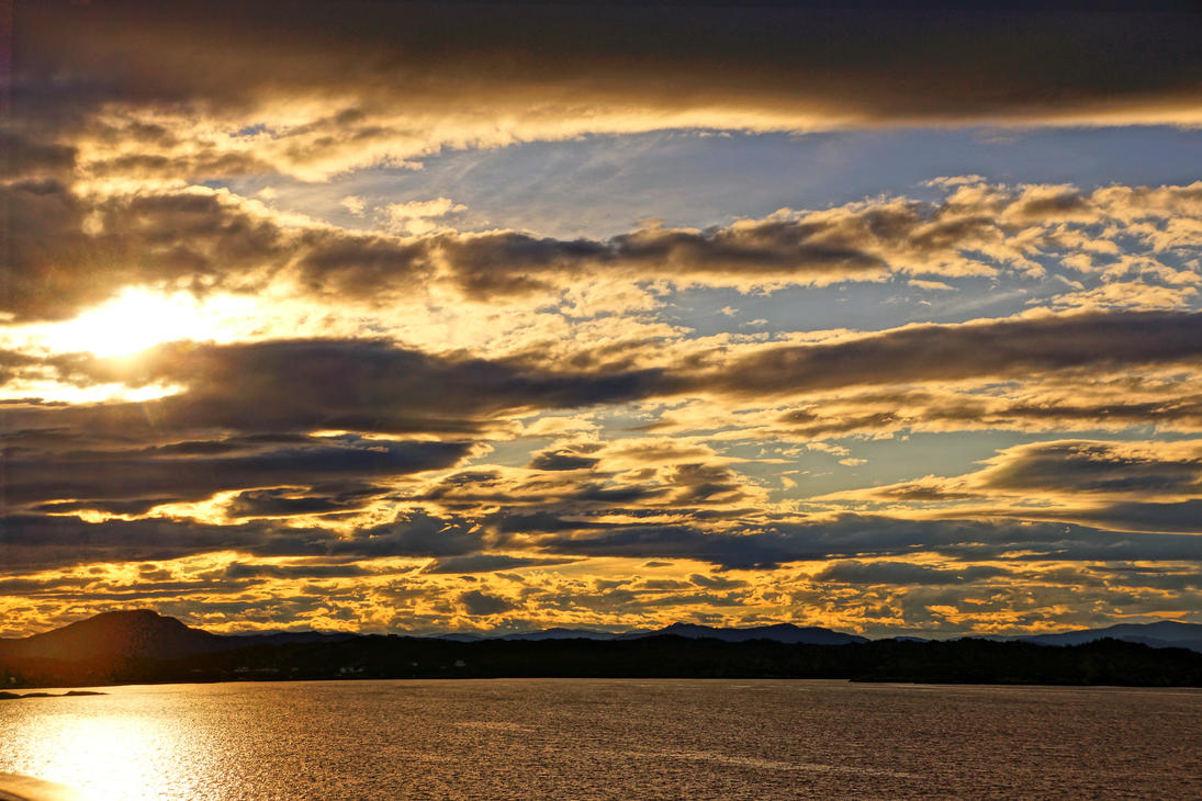 norwegian sunrise by Mittelfranke
