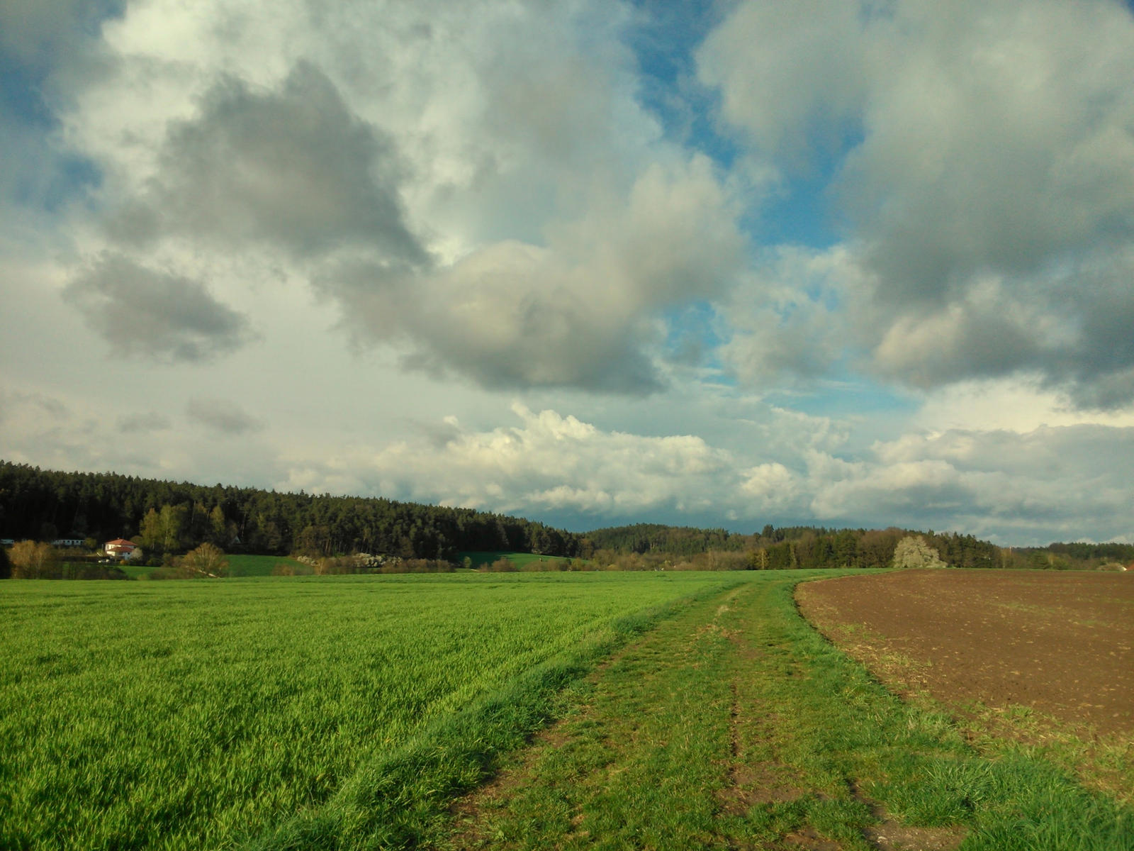 april sky by Mittelfranke