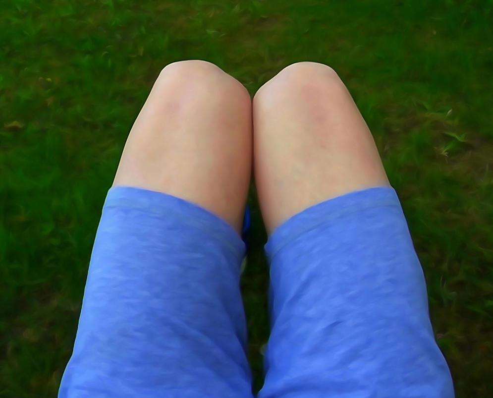 thighs by Mittelfranke