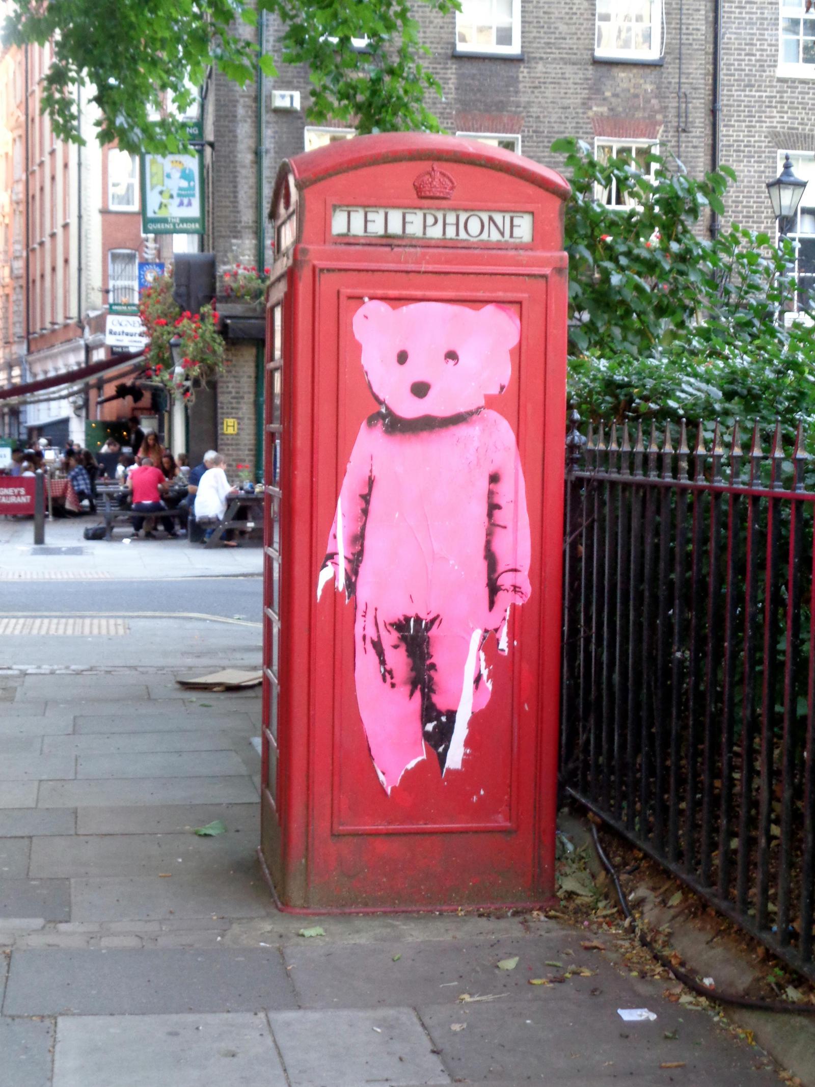 phone box by Mittelfranke