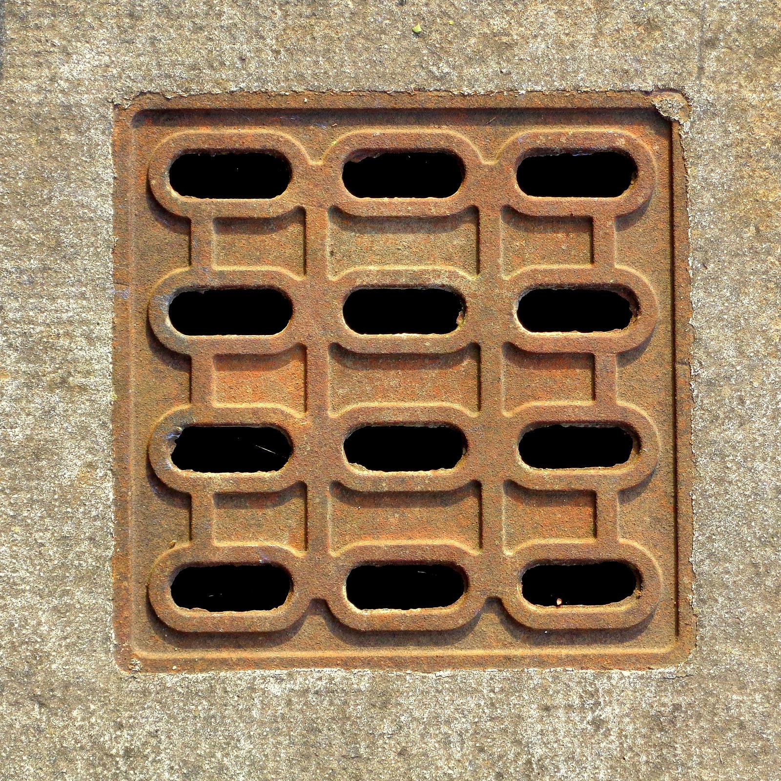 manhole cover by Mittelfranke