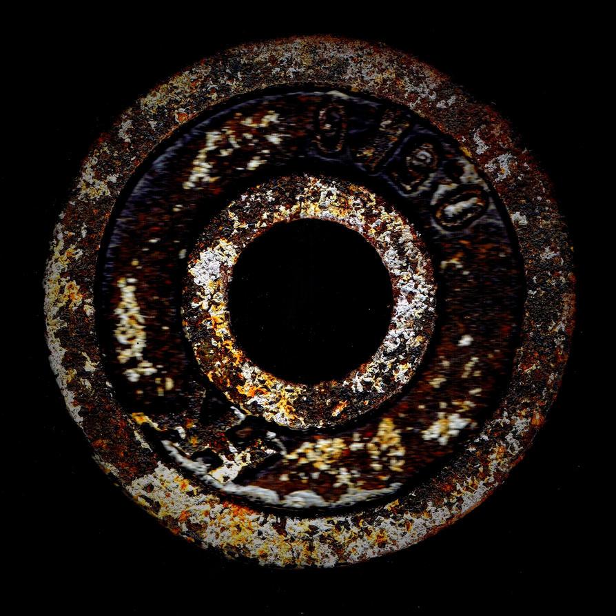 rusty dumbbell by Mittelfranke