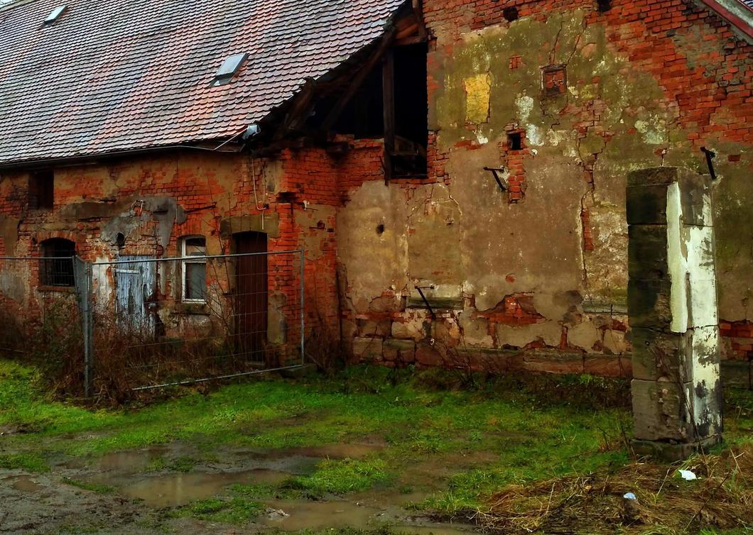 urban decay by Mittelfranke