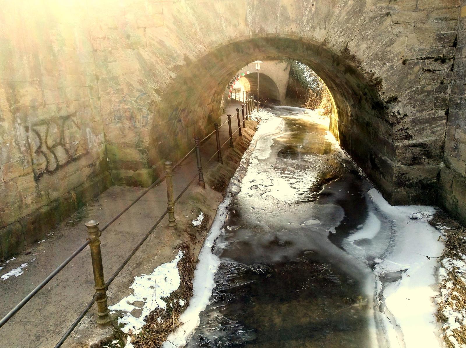 icy creek by Mittelfranke