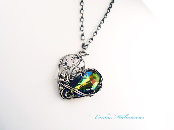 Heart brancelet by Evidriell