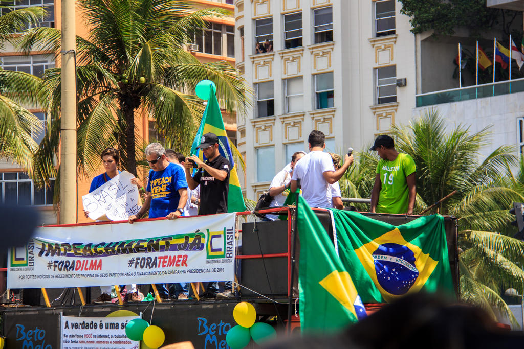Fora PT! Protest in Copacabana 08 by r-assumpcao