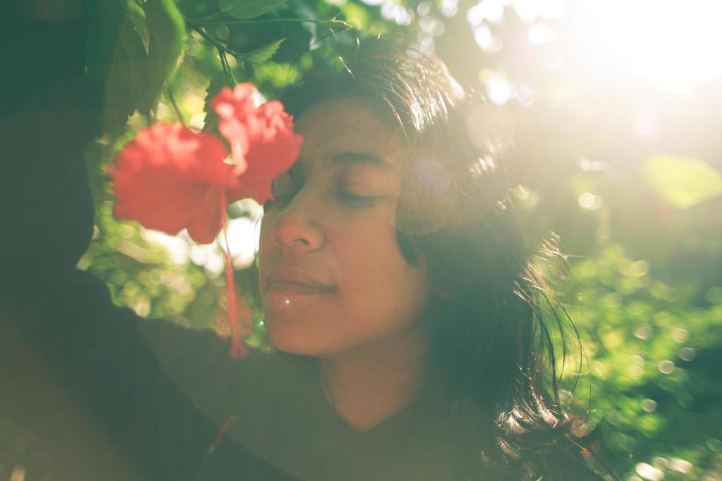 Aloka with flower by ehabm