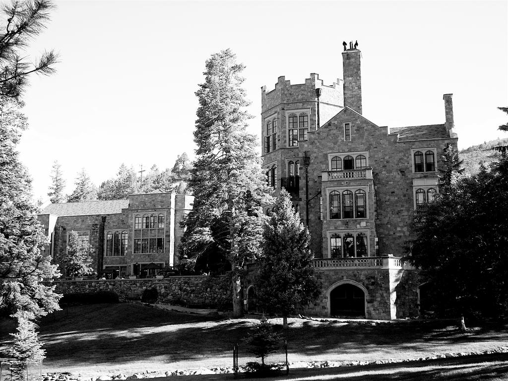 Glen Eyrie Castle by skyeconnelly