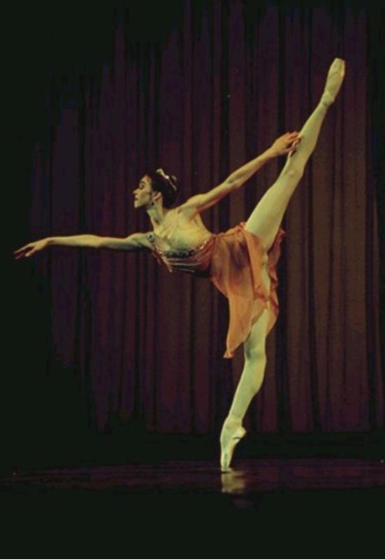 Balerina - Page 2 Ballerina_2_by_skyeconnelly