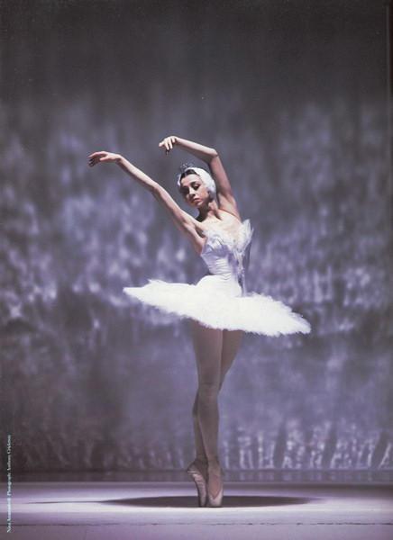 Balerina - Page 2 Ballerina_3_by_skyeconnelly