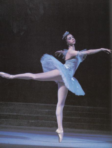 Balerina - Page 2 Ballerina_4_by_skyeconnelly