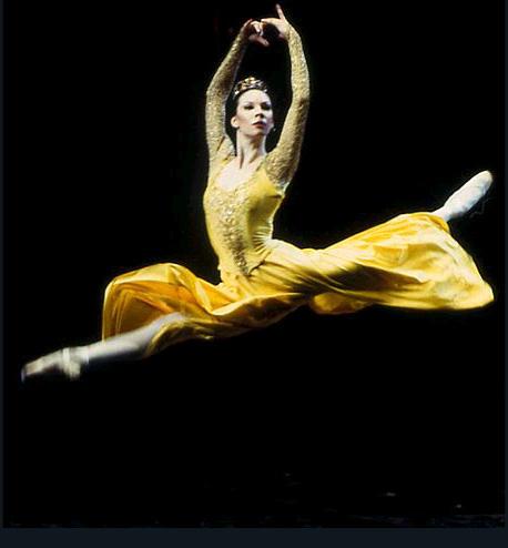 Balerina - Page 2 Ballerina_5_by_skyeconnelly