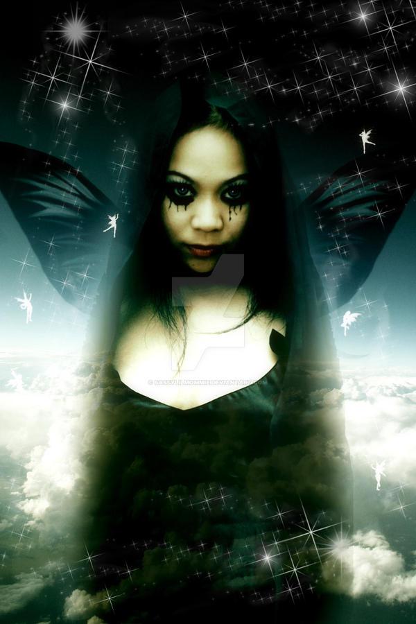 .:Queen of Fairies:. by sassylilmommie