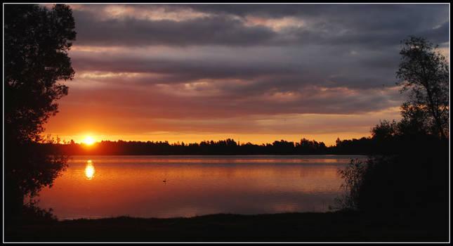 The Mirror Lake sunrise by jchanders