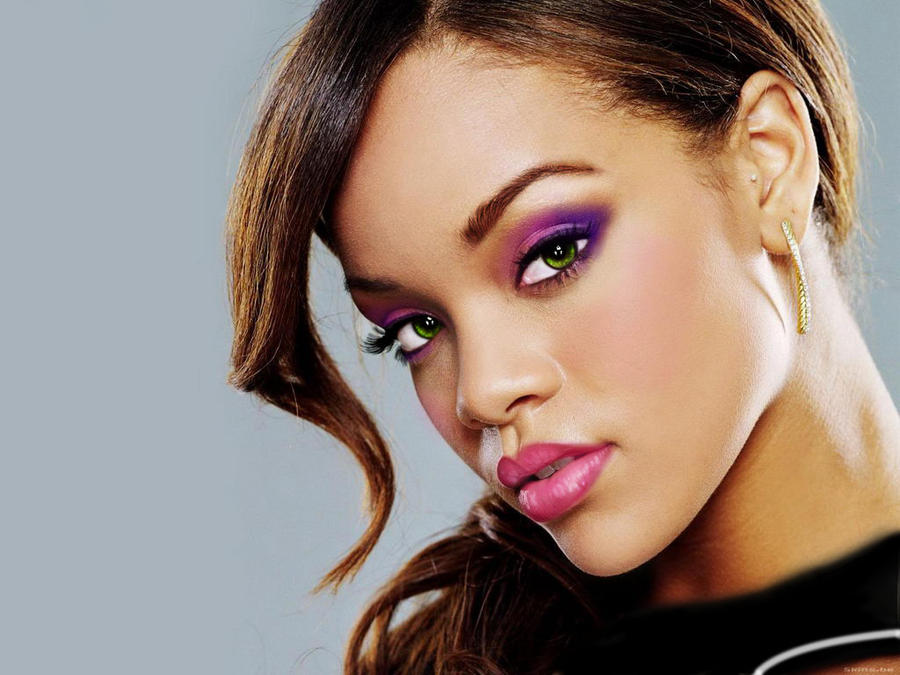 Rihanna with eyeshadow by kinnesama