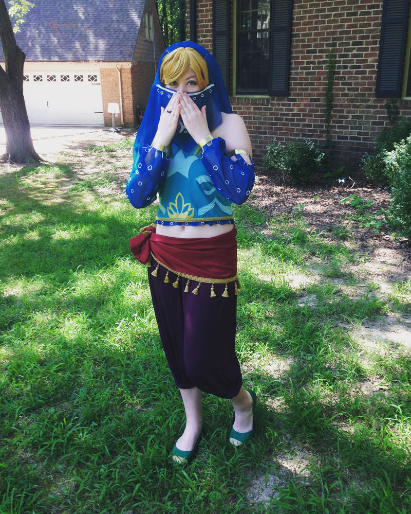 Gerudo Link Cosplay by Bluefootstroodle