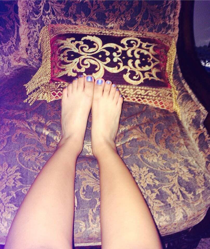 Friends feet 4 by mickey515
