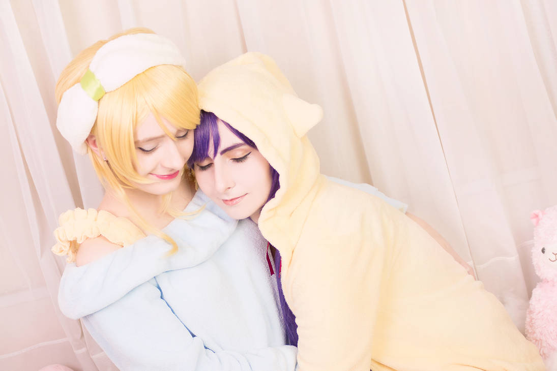 Love Live! - Nozomi + Eli Nozoeli [Pyjama] Cosplay by Kiki-Myaki