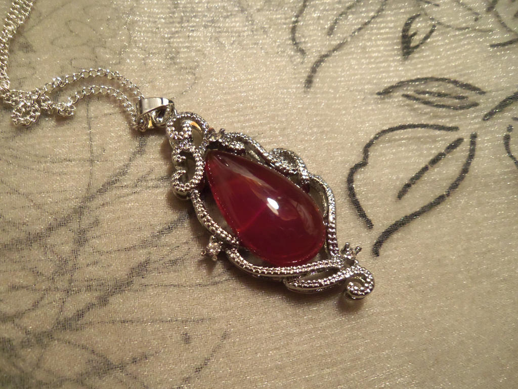 Carnelian Flame-pendant by Destinyfall