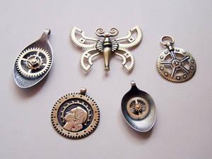 Clockpunk pendants 5
