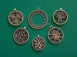 Round amulets 2 by Astalo