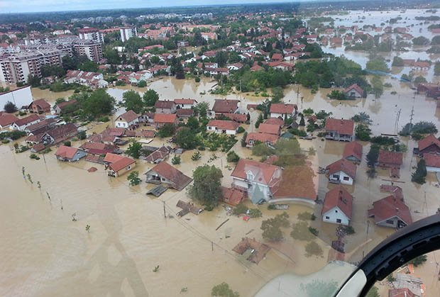 Poplava-poplave-obrenovac-reka-voda-nasip-foto by RankaStevic