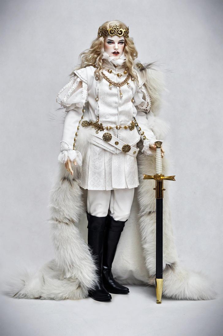 The White King 03 by amadiz
