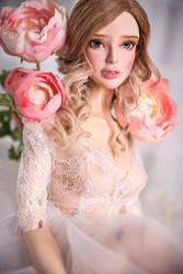 Yolande female Peach Cream skin tone