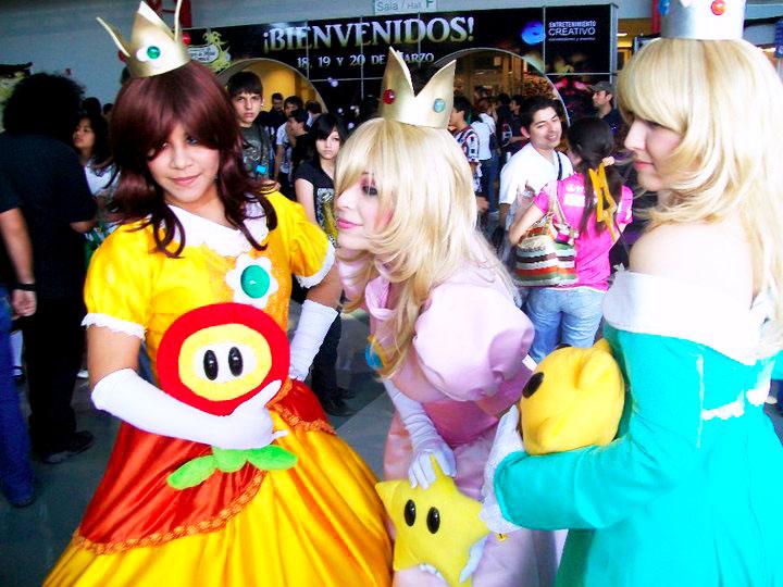 Daisy, Rosalina and Peach by PrisCosplay