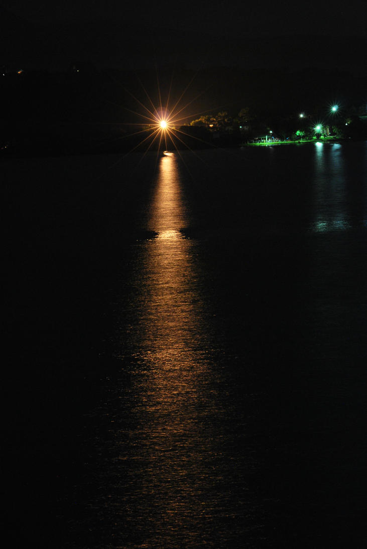 flood light on the water by tyronmcd