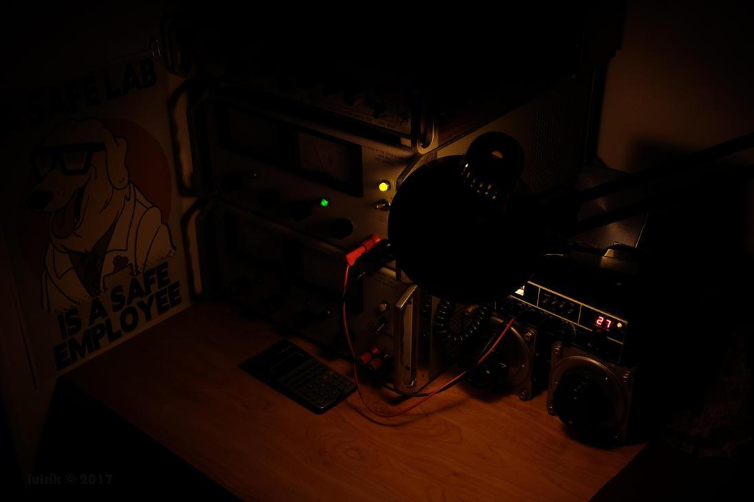 Light on the 27MHz by lulrik