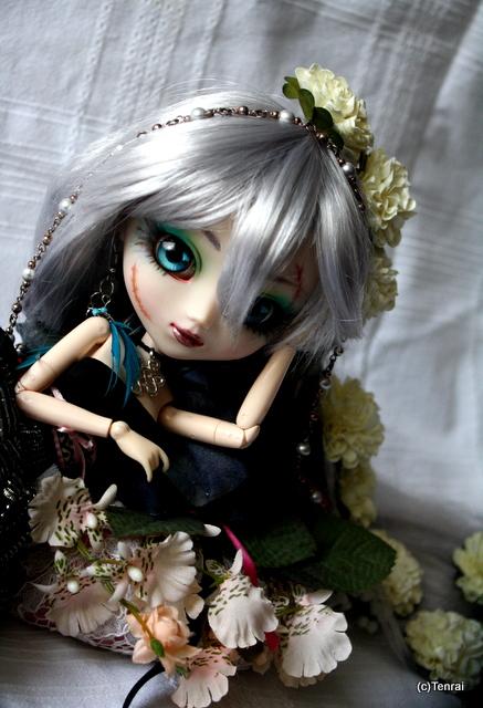 Romantic by VampyrTenrai
