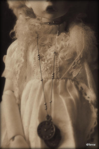 [Haunted Wardrobe] (MD HeeAh) Butterfly Effect (p23) - Page 14 Post_mortem_by_vampyrtenrai-d7mtdz2