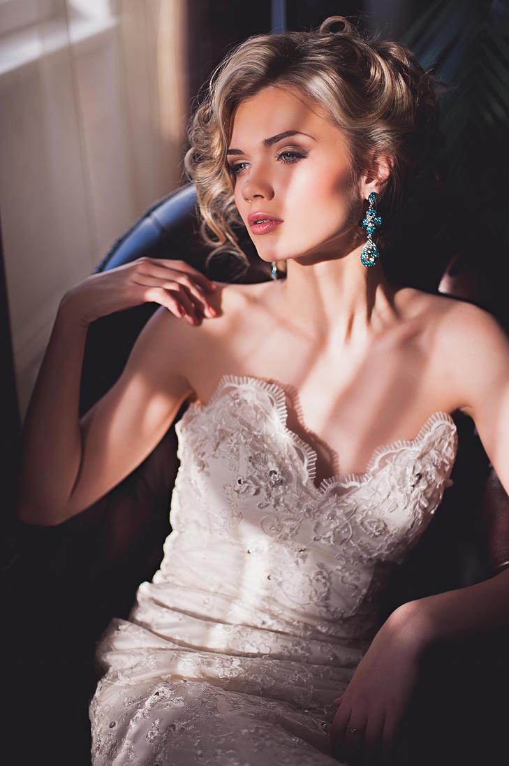 Julia in Love by AlexeyNikitin