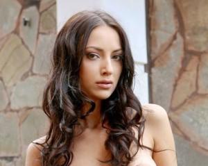 LuanaNavarro25's Profile Picture