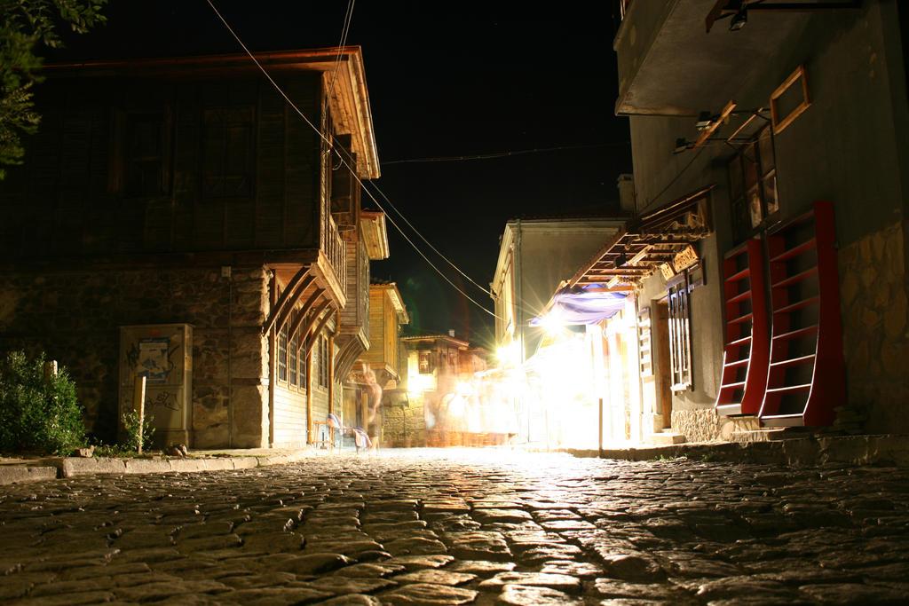 Bulgarian street by kuku-the-hunter